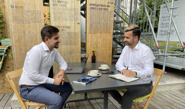 Unsere KMU-Berater Alptel, Dennis Lauchenauer und Pascal Nathaniel, im Gespräch zu Abo-Management und Geräte-Management.